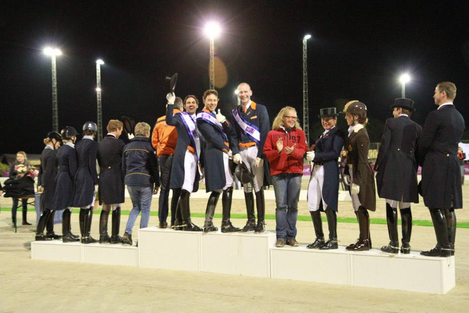 Podium FEI Nation CupTM : les hollandais heureux ! Happy Dutch riders!